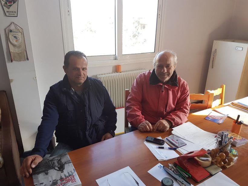 Ο κ. Κώστας Βολικάκης (δεξιά), πρόεδρος του Ποδηλατικού Ομίλου Βόλος και ο κ. Άγγελος Βορρές, μέλος του Αθλητικού Συλλόγου Άκρατος
