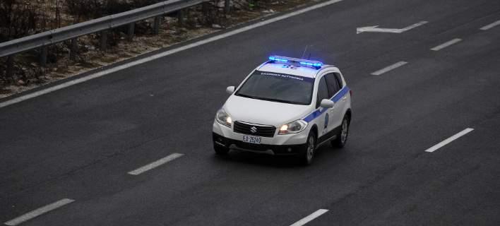 Προσπάθησαν να αφαιρέσουν το αμάξωμα από καμένο αυτοκίνητο στη Μ.Βελανιδιά – Έξι συλλήψεις ανδρών