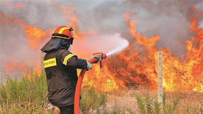Φωτιά στο Κατηχώρι έκαψε ξερά χόρτα
