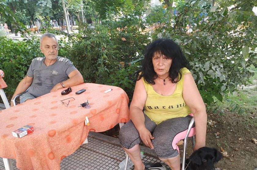 Άνθρωποι ενός «κατώτερου θεού» - Οικογένεια στο Βόλο ζει σε πάρκο