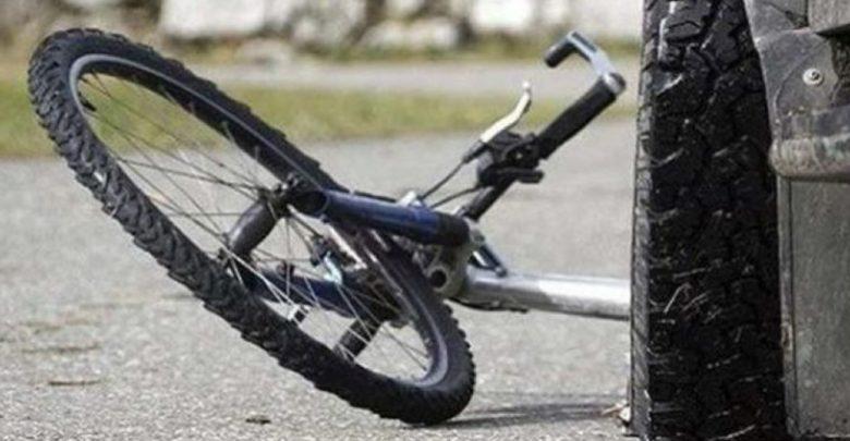 Στο Νοσοκομείο νεαρός που έπεσε από το ποδήλατο στη Λαρίσης - e-thessalia.gr