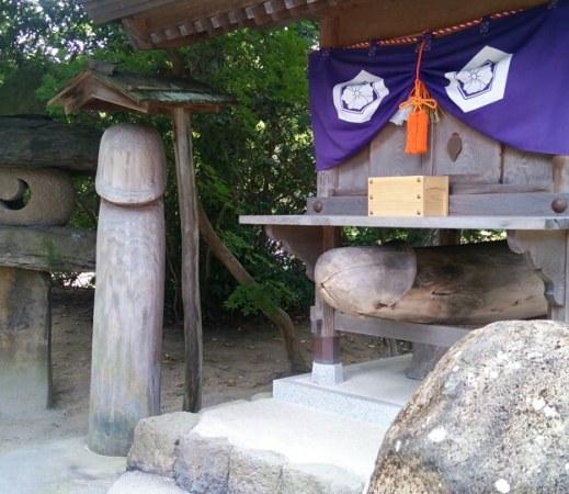 八重垣神社御神体