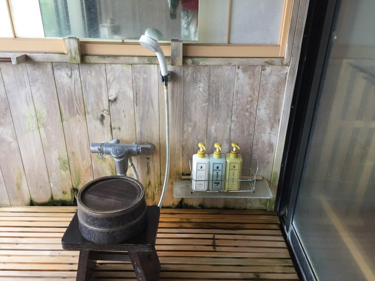 観音温泉ピグマリオン露店風呂の洗い場
