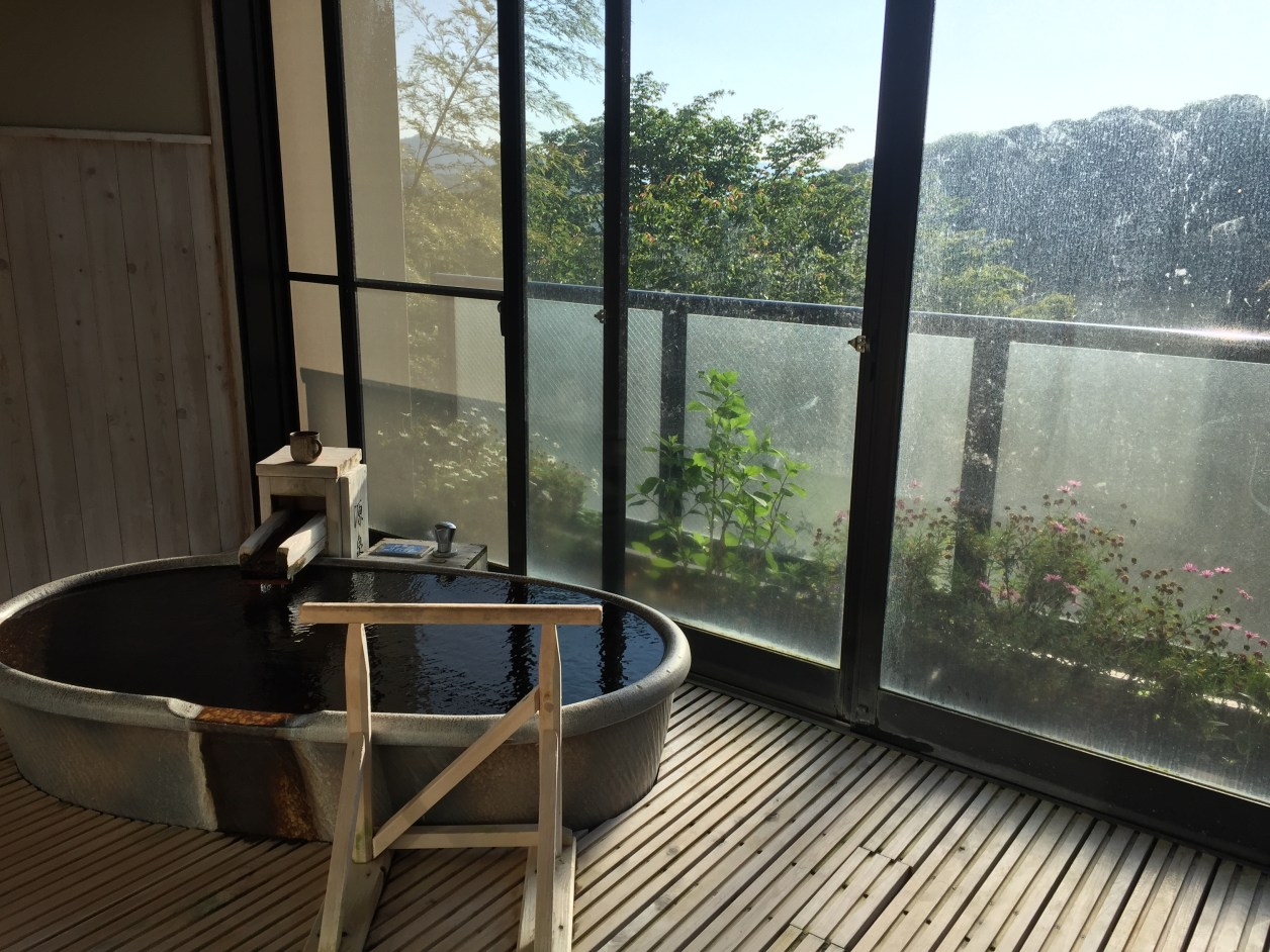 観音温泉ピグマリオンの露店風呂