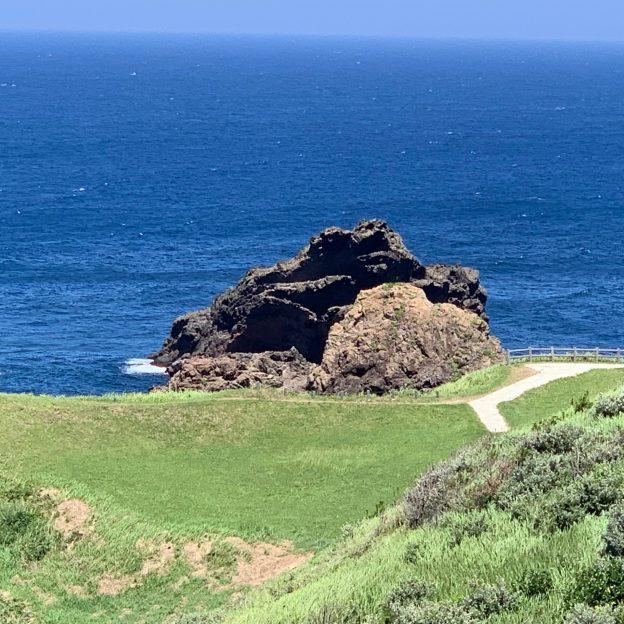 国賀浜の奇石