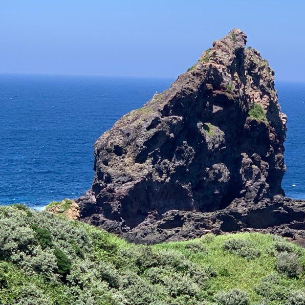 国賀浜の奇岩