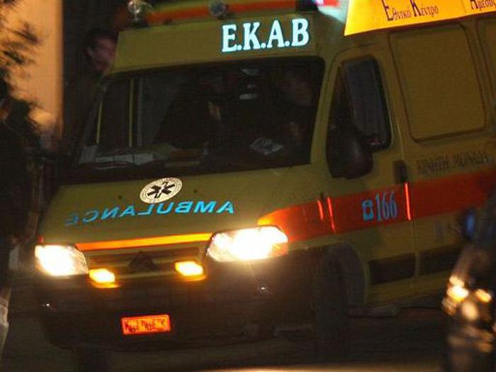 ΒΟΛΟΣ: Συναγερμός στο ΕΚΑΒ - Μηχανάκι παρέσυρε 10χρονο κοριτσάκι
