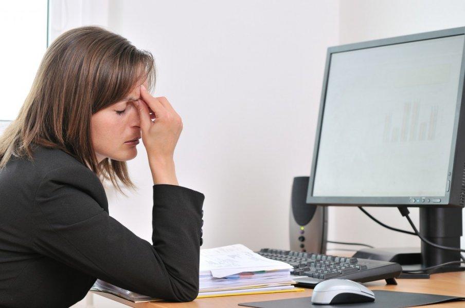 Πόσες ώρες πρέπει να καθόμαστε μπροστά από μια οθόνη υπολογιστή