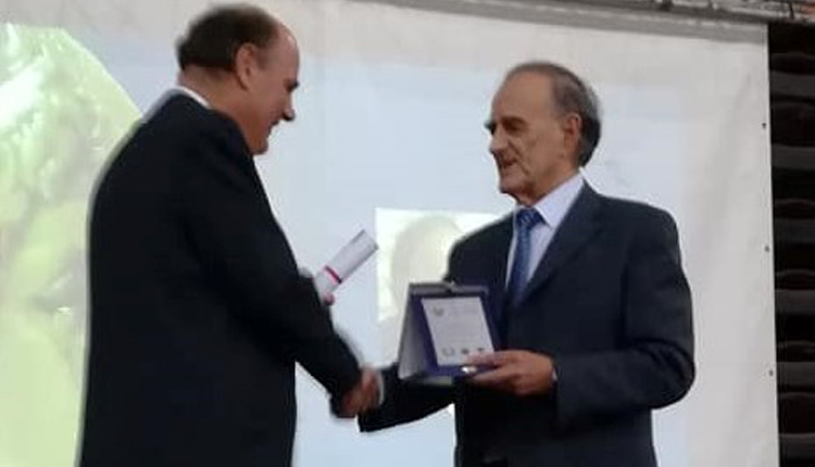 Ο Γιώργος Σούρλας τιμήθηκε με το Απολλώνειο Βραβείο