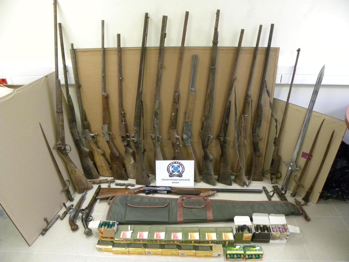 ΒΟΛΟΣ: Ολάκερο οπλοστάσιο στο σπίτι 53χρονου