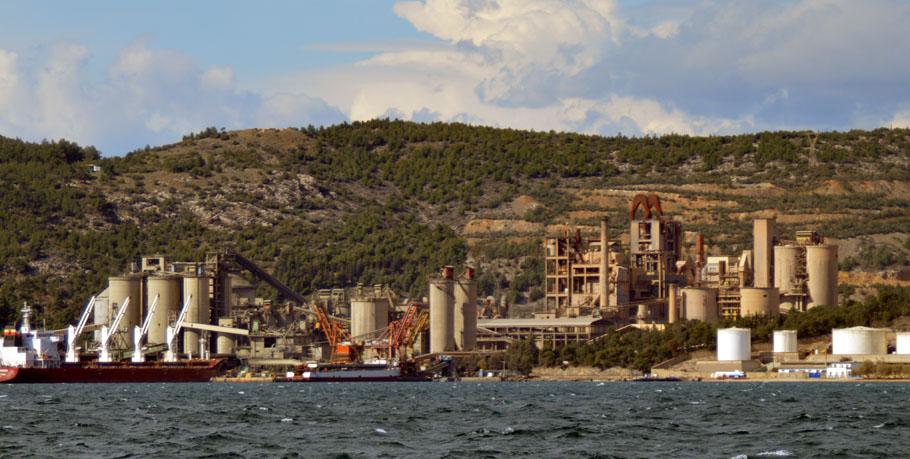 ΚΚΕ Μαγνησίας: ΣΥΡΙΖΑ, Περιφέρεια Θεσσαλίας και Δήμος Βόλου, δουλεύουν μαζί για τη διασφάλιση των κερδών της Lafarge-Holcim