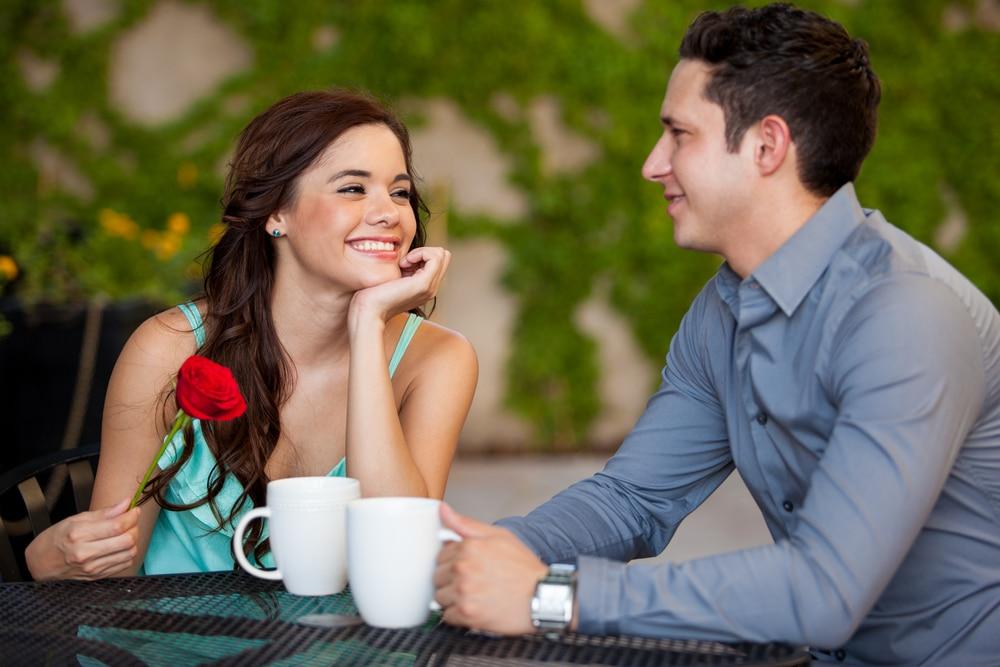 Ходите на свидания. Женщина 35 лет не замужем — причины не переживать по этому поводу