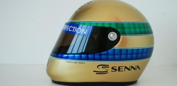 Capacete especial para comemorar o ano em que Ayrton Senna faria 50 anos de idade