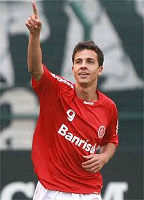 Nilmar na lista de reforço do Manchester United
