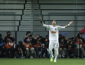 Neymar em ação pelo Santos no Mundial; equipe brasileira ficou na sexta colocação no ranking