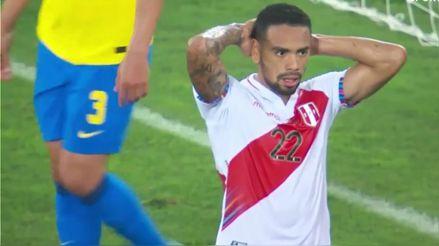 Por muy poco: Alexander Callens se perdió el empate de Perú ante Brasil tras cabezazo en el área
