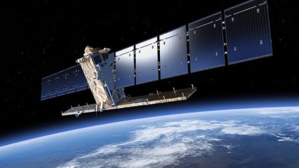 Este es el satélite Sentinel-1A, que captó la mancha de carburante en el mar.