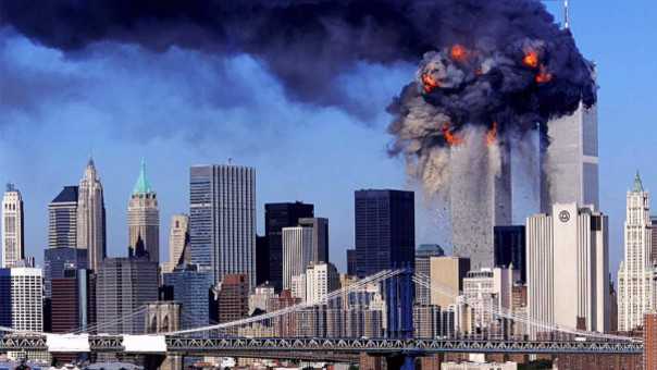 Las imágenes de la televisión norteamericana fueron retransmitidas por canales en todos los países del mundo, replicando el terror en suelo estadounidense para todo el mundo.
