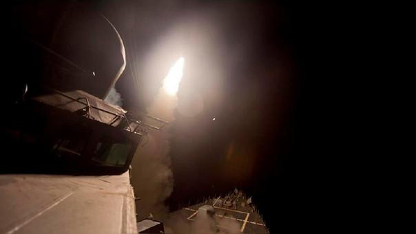 Decenas de misiles Tomahawk fueron disparados contra la base aérea de Shayrat, en la ciudad siria de Homs.