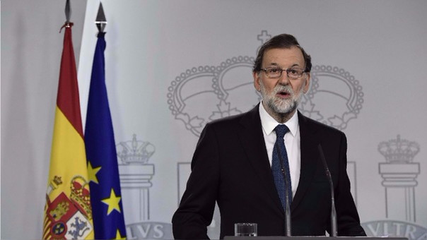 El Ejecutivo de España la ha pedido al de gobierno catalán aclarar formalmente si declaró su independencia. De su respuesta dependerá si activan un mecanismo que podría llevar al Gobierno central a tomar parte de las funciones del regional.