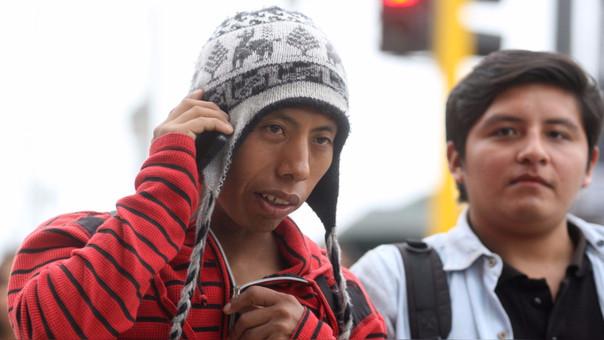 Operadoras móviles lanzan tarifa plana para Internet y llamadas.