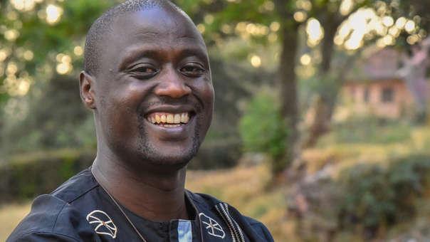 Peter Tabichi, un maestro de matemáticas y física en la Escuela Secundaria Keriko Mixed Day en Pwani Village, quien ganó el Premio Global de Maestros