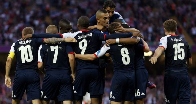 https://i0.wp.com/e0.365dm.com/12/08/660x350/Daniel-Sturridge-Celebration-Football-Men-s-G_2805189.jpg