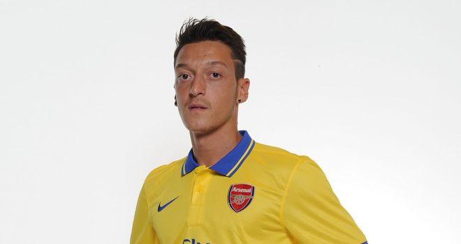 Mesut Ozil: Set for Arsenal debut at Sunderland