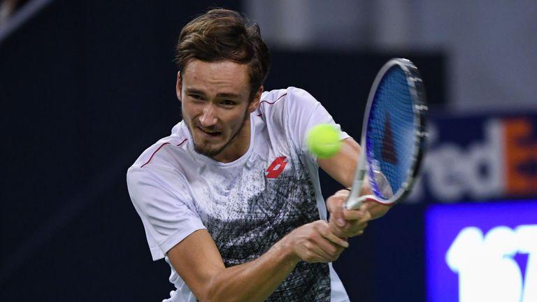 Roger Federer Overcomes Daniil Medvedev Test At Shanghai