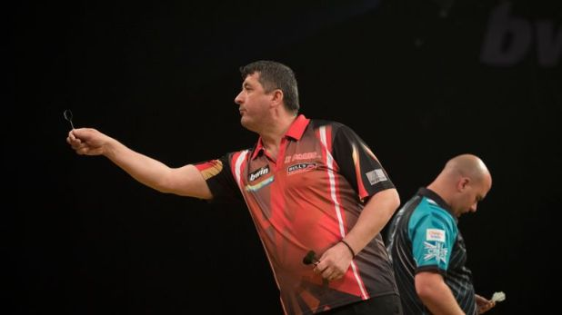 Rob Cross is in tremendous form, but he'll be looking to avoid a fifth straight defeat against Suljovic