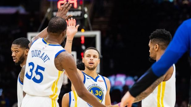 Stephen Curry's unselfish play makes things easier for his team-mates