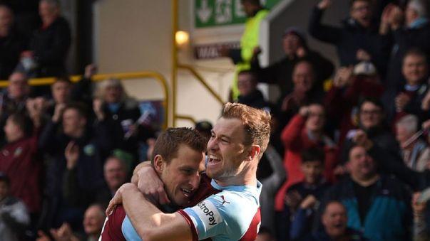 Chris Wood y Ashley Barnes firmaron nuevos contratos de Burnley esta semana