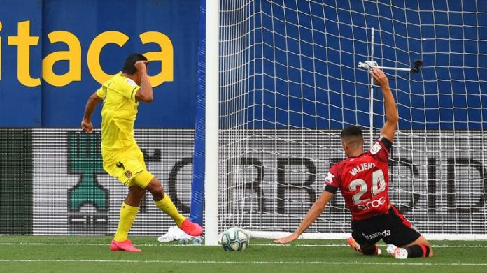 Carlos Bacca makes no mistake from close range to put Villarreal ahead