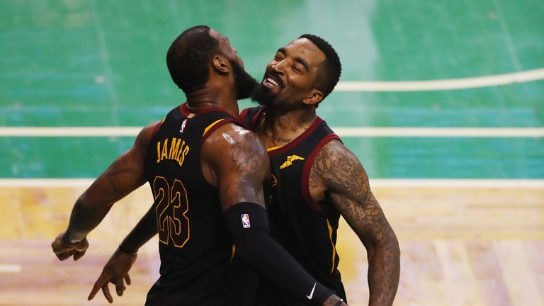 Los Angeles Lakers Sign Jr Smith Ahead Of Nba Restart