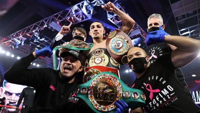 Lopez is now the world's top lightweight