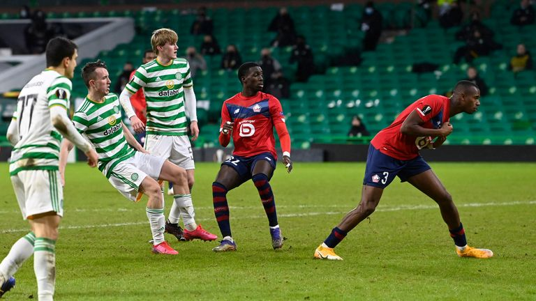 Turnbull spins and shoots to put Celtic in the lead for the third time