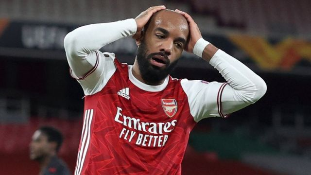 LONDON, ENGLAND - APRIL 08: Alexandre Lacazette of Arsenal looks dejected after hitting the bar during the UEFA Europa League Quarter Final First Leg match between Arsenal FC and Slavia Praha at Emirates Stadium on April 8, 2021 in London, United Kingdom. Sporting stadiums around Europe remain under strict restrictions due to the Coronavirus Pandemic as Government social distancing laws prohibit fans inside venues resulting in games being played behind closed doors. (Photo by Charlotte Wilson/Offside/Offside via Getty Images)