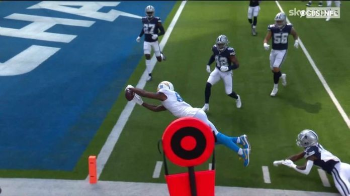 Mike Williams managed to dodge Anthony Brown and dive into endzone to keep the Chargers in the game against the Cowboys.
