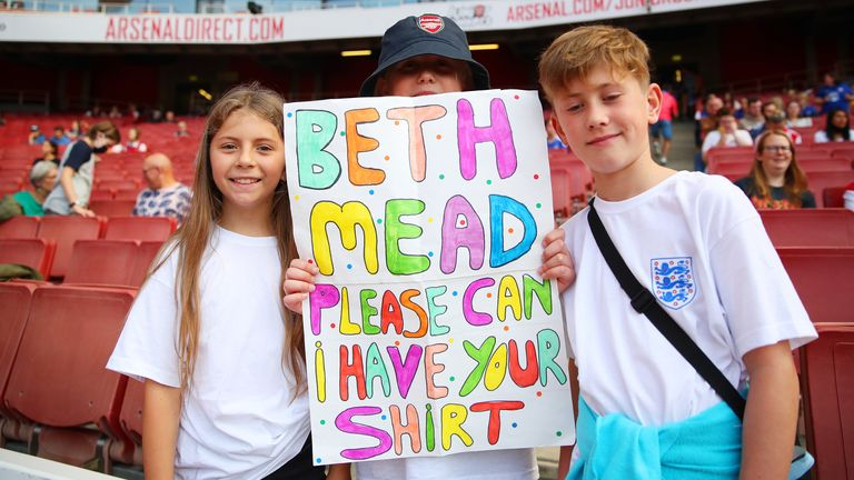 Plenty of young fans watched the WSL game at the Emirates on Sunday