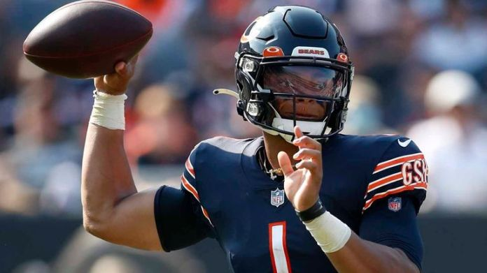 Justin Fields will start for the Bears against the Browns
