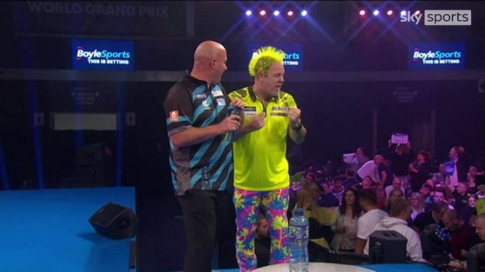 Cross had an awkward moment when he realised he had forgot his darts ahead of his clash with Peter Wright