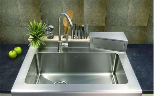 27 kitchen sink orange rug 装了3套房才敢告诉你 厨房水槽用单槽还是双槽 多数人装错了 厨房单水槽