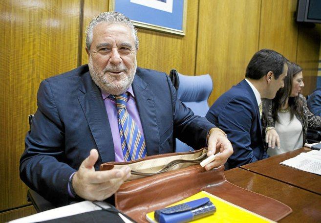 El subdirector general de la RTVA, Joaquín Durán, en la comisión de...