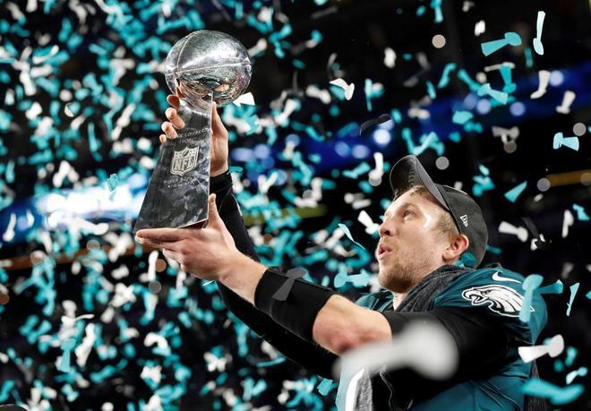 Nick Foles celebrando el título de la Super Bowl 2018 do Philadelphia Eagles. Créditos: Kevin Lamarque/REUTERS