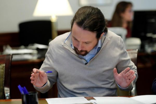 Pablo Iglesias, collecting his deputy record this Thursday at the ...