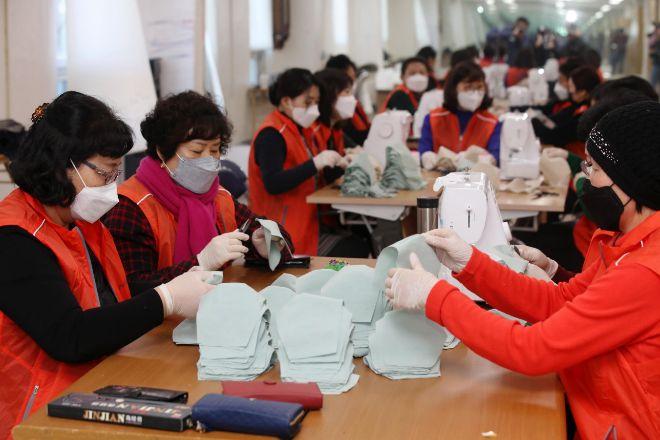 Corea del Sur supera los 6.000 casos de coronavirus y Japon pondrá ...