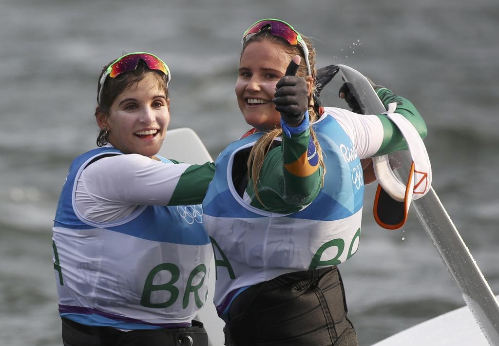Las brasileñas, tras su triunfo en la clase 49er FX