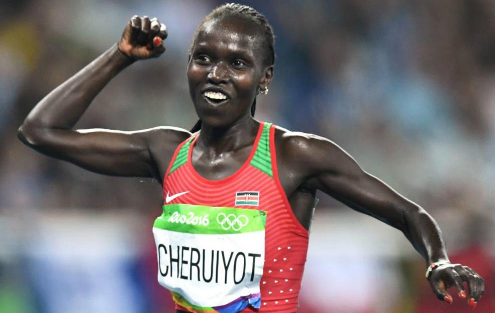 Vivian Cheruiyot celebra su triunfo