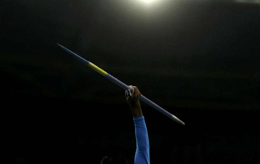 Un lanzador de jabalina en los Juegos Paralímpicos.