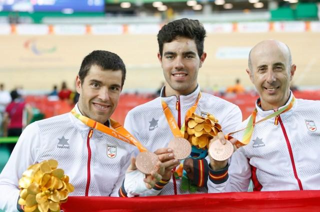 Edu Santas, Alfonso Cabello y Amador Grandos con el bronce en...